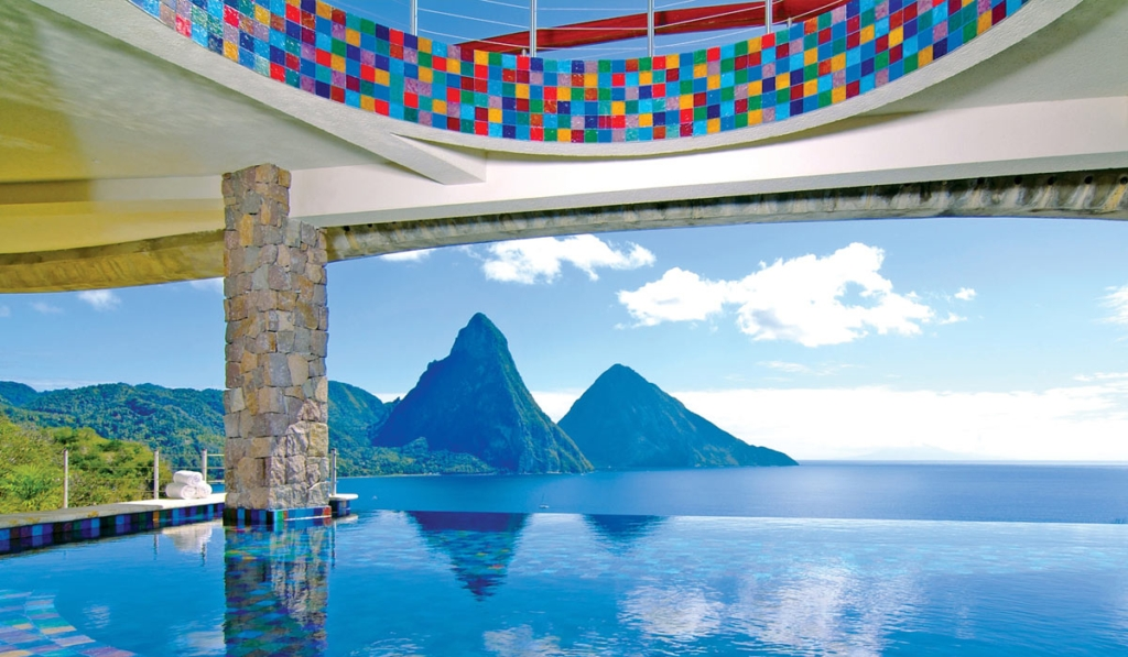 Construção de Piscinas - Jade Moutain Resort, (Santa Lucia)