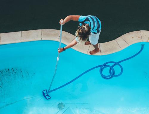 Sabe como escolher um aspirador para a sua piscina?