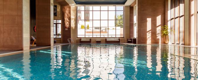 indoor-swimming-pool-interior-PTSZ2LV