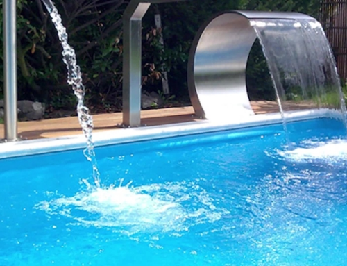 Já pensou ter uma cascata na sua piscina? Conheça 5 razões para tal!