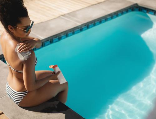 Pele sensível? Saiba como a proteger quando usa a piscina!